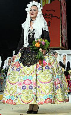 Indumentaria de novia alicantina